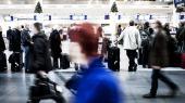 SAS-medarbejderne er ikke de første danske lønmodtagere, der har accepteret en lønnedgang. De ansatte i Jysk gjorde det samme i sidste måned, men Inspirations ansatte sagde ja til mindre i lønningsposen tilbage i juli. Formanden for FTF, Bente Sorgenfrey, frygter, at at flere vil stå i samme situation i de kommende år.