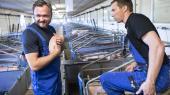 'Loven, der gør det ulovligt at have sex med dyr, skal sikre den svage part, der ikke kan sige fra,' siger fødevareminister Dan Jørgensen (S), der her er på besøg hos en svineavler i Randbøl.