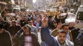Støtter af Mohamed Mursi går gennem Kairos gader i protest mod Egyptens regering. Nogle medlemmer af broderskabet vælger dog en mere drastisk vej og tilslutter sig IS.