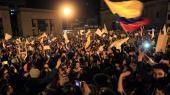 Fredsprocessen har været i gang i flere år. Dette foto er fra oktober i år, hvor colombianere gik på gaden i Bogota for at kræve en fredsaftale.