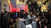 Publikum ventede høfligt og afdæmpet, inden Brian Eno, Ebe Oke og Laurie Anderson efter en uges indspilning af musik i et studie i Nordvest lørdag aften præsenterede det på Københavns Hovedbibliotek.