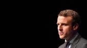 Den tidligere økonomiminister Emmanuel Macron, der stiller op uden for de klassiske partier, er ung, smuk, lynende intelligent og ryster koderne i det franske præsidentvalg