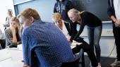 Den høje dimittendledighed kan bero på, at de nyuddannede ikke har de helt rette kompetencer i forhold til det, virksomhederne efterspørger. Her er det nye studerende på uddannelsen til markedsføringsøkonom på erhvervsakademiet i Aarhus.