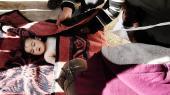 Et omkommet barn pakkes ind i tæpper efter giftangrebet i den nordsyriske by Khan Shaykhun tirsdag morgen.