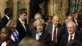 Premierminister Theresa May og Labour-leder Jeremy Corbyn under åbningen af parlamentet. Ifølge eksperter er der ikke længere udsigt til den hårde Brexit-aftale, som May havde lagt op til. Ét sted kommer hun dog ikke til at rokke sig, og det er på den hårde linje over for immigration, lyder forventningen.