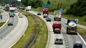 Ved grænseovergange, færgeruter, motorveje og andre trafikale knudepunkter står der rundt om i Danmark 106 kameraer, som registrerer de forbikørende bilers nummerplader.
