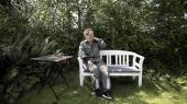 På en sommerferie i sommerhus på Vestsjælland i 2001 blev Charlotte Kwasniak bidt af en skovflåt. Ikke så længe efter følte hun en lammelse i det ene ben, men det var først mange år senere, at lægerne fandt ud af, at det skyldtes en Borrelia-infektion. I mellemtiden var hun både blevet ramt af diskusprolaps og en indgribende stofskiftesygdom, der formentligt skyldes skovflåten