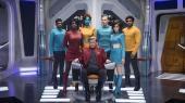 Besætningen ombord på USS Callister i første afsnit af fjerde sæson af Charlie Brookers underholdende og formanende science fiction-serie 'Black Mirror'.