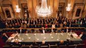 Det Svenske Akademis årlige middag foregår i Börssalen på Stortorget i det indre Stockholm – og foran såvel de kongelige som 500 andre prominente gæster.