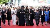 82 kvindelige filmfolk indtog en aften på Cannes den røde løber som symbol på den ulighed, der er i branchen og på festivalen.