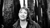 Katrine Marie Guldager skildrer morens svære afsked med morrollen i en roman, der er både parodi og kliché, smuk og original. Er det også den umodne og megalomane mors forvandling til et barn, hun skildrer?