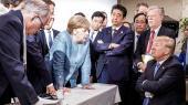 Dette foto af Trump på G7-mødet går verden rundt