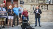 Dansk Folkepartis Martin Henriksen talte ved For Friheds fejring af 'burkaforbuddet', og DF'eren fik tildelt en erkendtlighed for »sit store arbejde for forbuddet«.