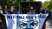 Fredag d. 10 august havde foreningen Kvinder i Dialog kaldt til demonstration foran Bellahøj Politistation, i mod den første bøde afgivet for at bryde tildækningsforbuddet