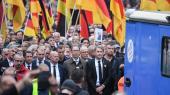 Ved en »sørgemarch« lørdaggik Alternative für Deutschland (AfD)sammen med højreradikale organisationer som Pegida og Pro Chemnitz.
