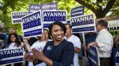 Den 44 årige Ayanna Pressley slog tirsdag den progressive demokrat Mike Capuano i en af USA's mest venstreorienterede valgkredse.