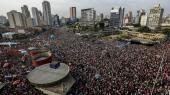 En demonstration i Sao Paulo imod højrefløjskandidaten til detbrasilianske præsidentvalg Jair Bolsonaro, som kritikere beskylder for at være homofob, kvindehader og racist, og som er blevet kendt som Brasiliens Donald Trump. Bolsonaro fører dog i meningsmålingerne inden valgets anden runde søndag.