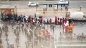 Demonstrationen foran Danske Bank i lørdags havde et beskedent fremmøde med kun cirka 100 demonstranter. Der var endnu færre tirsdag, hvor kun cirka 12 mødte frem til en anden demonstration mod bankerne.