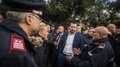 Indenrigsminister Matteo Salvini og hans parti, Lega, har tilsyneladende draget fordel af konflikten med EU. Ifølge opinionsundersøgelser støtter op mod 32-34 procent af italienerne nu Lega, sammenlignet med 17,4 procent ved valget i marts.
