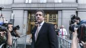 Michael Cohen, tidligere advokat forDonald Trump, blev onsdag idømttre års fængsel og en bøde på to mio. dollar. Men Cohen vil vidne mod præsidenten,når demokraterne overtager magten i Repræsentanternes Husi januar.