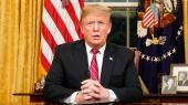 Donald Trump berørte i en tv-transmitteret tale fraDet Ovale Kontor emnet om en mur langs grænsen til Mexico.Men Trump ved, at han har tabt slaget om muren. For ham er det nu et spørgsmål om at redde, hvad der reddes kan af den symbolske mur, skriver Martin Burcharth i sin leder.