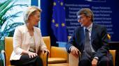Ursula von der Leyen, der er nomineret til posten som formand for EU-Kommissionen, sammen med den nyvalgte formand for Europa-ParlamentetDavid Sassoli.