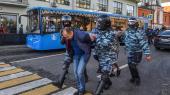 Russiske specialstyrker anholdt den 10. august demonstranter, der demonstrerede for mere fair lokalvalg og for retfærdighedfor de oppositionskandidater, der er blevet udelukket fravalget til Moskvas duma den 8. september. Putin har ikke oplevet så lav opbakning siden kort før annekteringen af Krim.