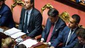 Inden premierminister Giuseppe Conte indgav sin afskedsbegæring i det italienske senat tirsdag, beskyldte han Matteo Salvini, der sad lige til højre for ham, for at være uansvarlig og uvidende og desuden en autoritær opportunist.