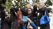 Demonstranter jubler, efter at den britiske højesteret tirsdag erklærede premierminister Boris Johnsons suspendering af parlamentet for ulovlig.