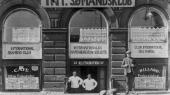 I Havnegade 53 lige rundt om hjørnet fra Nyhavn i København blev der således i et kælderlokale, der i dag er opsamlingssted for en fredelig udflytterbørnehave, indrettet en ISH-klub, hvor flygtede tyske kommunister og revolutionære danske sømænd og søfyrbødere holdt til. Men også en lang række andre adresser og dæklejligheder blev taget i anvendelse.