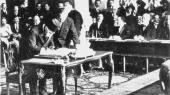 I 1920 blev sultan Mehmed VIpresset af Første Verdenskrigs sejrende magter til at sætte sit navn under Sèvres-traktaten. Et dokument, der indeholdt et løfte om etablering af en selvstændig kurdisk stat i deres hjemland i Det Osmanniske Rige, i dag Anatolien, det nordlige Irak og østlige Syrien.