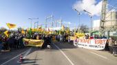 Den 31. december 2019 holder aktivister 'afskedsfest udenfor det tyske atomkraftværk Philippsburg i Karlsruhe. Tyskland har besluttet af udfase sine sidste sejs atomkraftværker i 2022. En beslutning, som i tysk presse ofte bliver betegnet som en kamikazeaktion i forhold til driftsikkerheden i energiforsyningen.