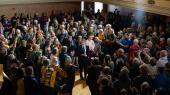 Det amerikanske forsamlingshusmøde mellem borgere og ledere er en særlig tradition, som demokraternes præsidentkandidat Pete Buttigieg forstår og behersker.