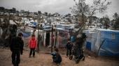 Erdogans melding om, at han vil »åbne porten« til Europa for migranter har fået spændingsniveauet til at vokse eksplosivt på flygtningeøen Lesbos. Både flygtninge og ngo'er føler sig truet af vrede lokale grækere, og det forværrer forholdene i den allerede miserable Moria-flygtningelejr