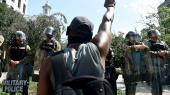 Protesterne, efter en betjent dræbte George Floyd, har nu varet i over en uge.