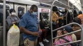 New Yorks metro på dagen for genåbningen efter coronakrisen.
