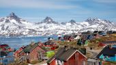 'Hver dag arbejder vi benhårdt på at blive økonomisk selvbårne, så vi kun oplever kustoder, når vi går på landets mange interessante museer. Vores råstoffer er en af mulighederne', skriver tre ministre fra den grønlandske regering i dette debatindlæg.