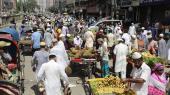 Bangladesh opfattes som et stærkt overbefolket land. Det er det for så vidt også med i dag 160 millioner indbyggere. Men fødselsraten falder nu så hurtigt, at befolkningen vil være halveret i 2100, skriver journalist Gwynne Dyer i denne kommentar.