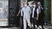 Beijing har definitivt opgivet at få det til at se ud, »som om man ikke blander sig« i Hongkongs anliggender, skrev Jimmy Lai i maj. Mandag blev han ført bort fra sit hjem af sikkerhedsstyrker.