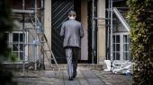 Justitsminister Nick Hækkerup (S), der forlader door step-mødet om nedsættelsen af FE-kommissionen mandag, har begrundet nedsættelsen med, at det er »afgørende, at der er tillid til, at efterretningstjenesterne agerer inden for deres beføjelser«. Det er fornuftigt af ham. Men deraf følger også, at kun det mest nødvendige bør hemmeligholdes for offentligheden, skriver Anton Geist i denne leder.