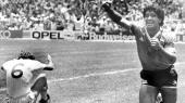 Maradona jubler, efter at have scoret andet mål i kvartfinalen mod England under VM i 1986.