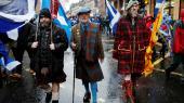 Demonstranter på vej gennem Glasgows centrum under en demonstration for skotsk selvstændighed i januar 2020.