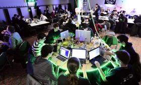 Frit net. På den årlige Chaos Communication Congress samles tusinder af hackere til politiske diskussioner og praktiske workshops i kampen mod overvågningsstaterne.