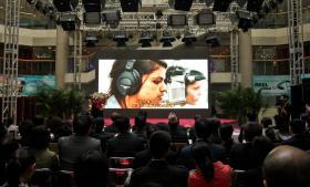 Den kinesiske radiokanal China Radio International beskrives som Kinas 'propagandakanal til et udenlandsk publikum', og den kontrolleres af kommunistpartiets centrale propagandabureau. Den kontrollerer finske Gbtimes, der producerer de programmer om Kina, som The Voice og NOVA FM sender