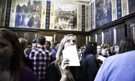 Immatrikulation på Københavns Universitet. Cirka hver syvende studerende får senere problemer med at betale studiegælden tilbage.