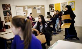 Folkeskolereformen indeholder en uhensigtsmæssig skelnen mellem faglig undervisning og aktivitetstimer. Lad os håber det alligevel kan medføre noget godt, nemlig øget fokus på udvikling af eksperimenter og  helt nye måder at tænke fag og faglig undervisning på. På Blågård Skole er en ny profil vores måde at gøre det på