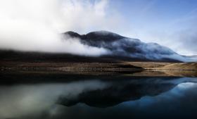 Med det politiske skifte i Grønland intensiveres snakken om uranmine i Kvanefjeld ved Narsaq.