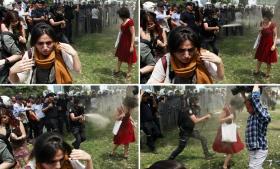 Billederne af Ceyda Surgun, der får sprøjtet peberspray i ansigtet, er gået verden rundt og er blevet et symbol på politiets brutale fremfærd mod demonstranterne i Tyrkiet.