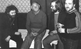 Bohumil Hrabal (anden fra venstre)