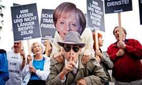 Tyskere demonstrerer mod myndighedernes passivitet over for udenlandske efterretningstjenester, der opererer i landet. Foto: Chris Grodotzki